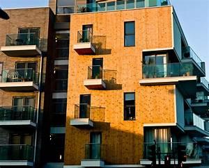 Haus Mit Holzfassade : holzfassade am haus holz farbe und muster ~ Markanthonyermac.com Haus und Dekorationen