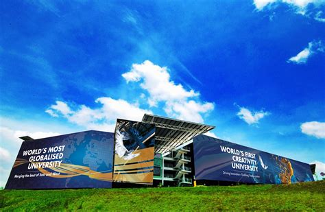 Limkokwing university of creative technology (also referred to as limkokwing and luct) is a private international university that has a presence across africa, europe, and asia. TNGUYEN DESIGN: Building Wrap (Limkokwing University)