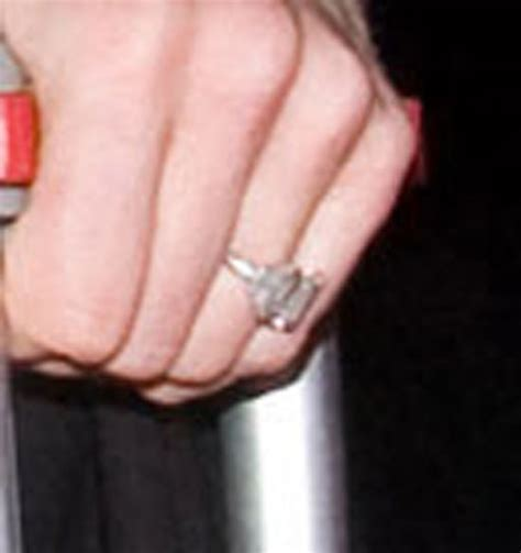 chelsea clinton wedding ring chelsea clinton s engagement ring makes appearance photos huffpost life