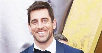 stylish dress aaron rodgers hasn 39 t talked to family for two