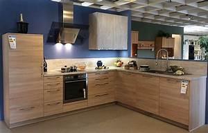 Arbeitsplatte Küche Beton Preis : h cker musterk che av 1090 eiche natur s gerau ausstellungsk che in j chen von m bel m ller ~ Sanjose-hotels-ca.com Haus und Dekorationen