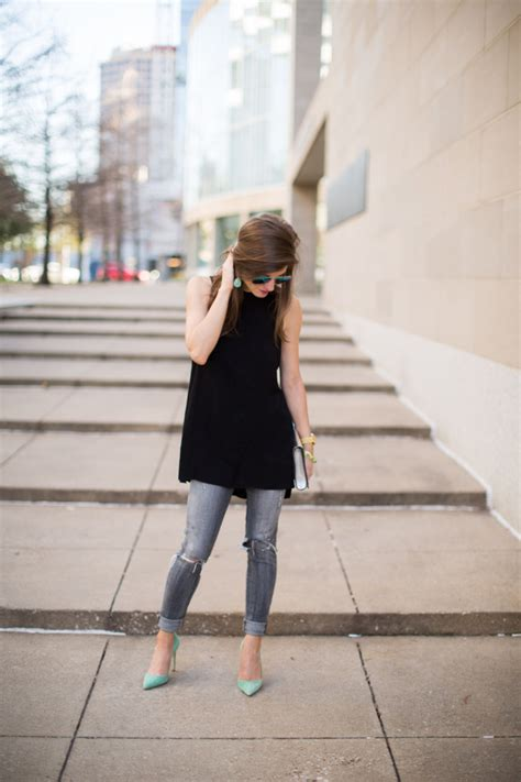 Sleeveless black tunic outfit outfit with a pop of color