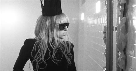 Lady Gaga's Bad Romance Returns To The Top