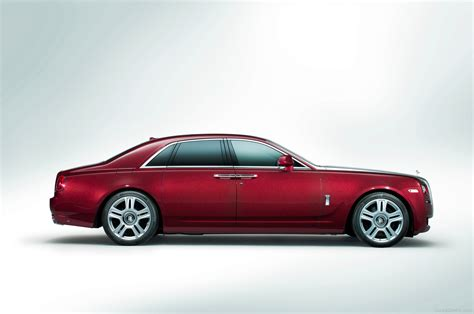 rolls royce ghost  red color car pictures images
