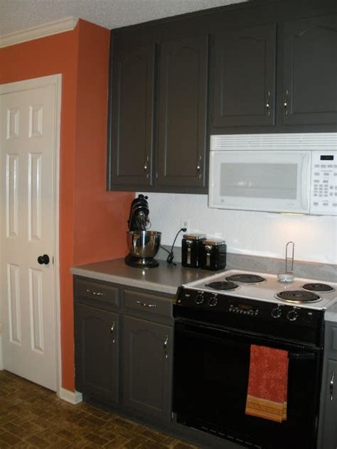 valspar kitchen cabinet paint 17 best images about colorful kitchens on 6747