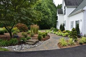 Front Yard Curb Appeal - Huntingtown - Traditional