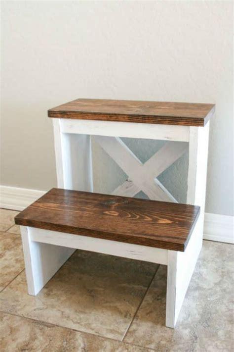 diy stepstool    board diy stool diy wood