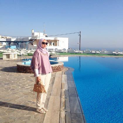 hijab style gaya stylish ria miranda  liburan
