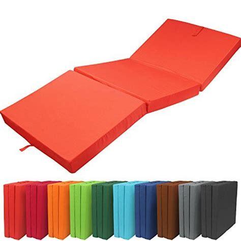 pouf chambre 1000 idées à propos de lit pouf sur lit d