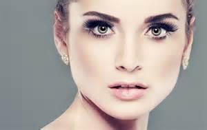 Model Face Close Up