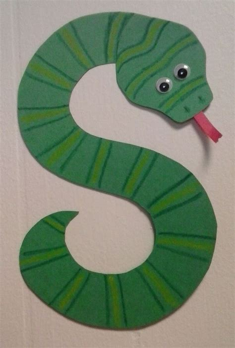 preschool letter s s is for snake alphabet 642 | f34cec8421a7aa12c17399c72d108cf9 preschool reptile crafts snake preschool craft