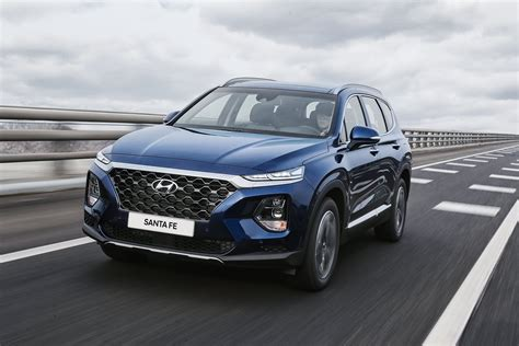 Hyndai Santa Fe by 2019 Hyundai Santa Fe Debuts Coming To Dealerships This