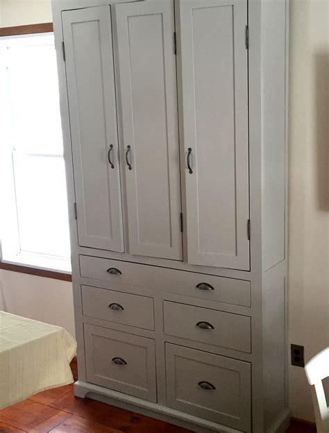 armoire de cuisine en pin garde manger en pin et peinture de lait armoire cuisine