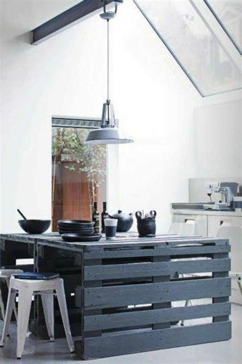 ilot bois cuisine ilot de cuisine en bois de palette mzaol com