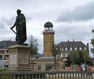 Mairie De Brive La Gaillarde : photo brive la gaillarde 19100 le monument aux morts et l 39 office du tourisme brive la ~ Medecine-chirurgie-esthetiques.com Avis de Voitures