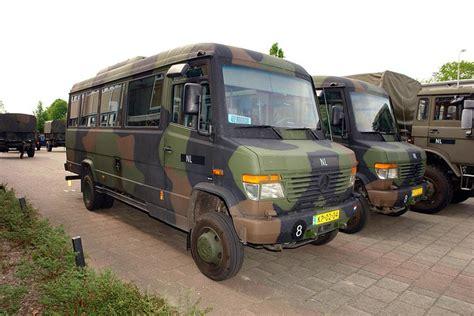 Die serie wird seit 1997 produziert. Mercedes-Benz 815 D Vario 4x4 - a photo on Flickriver