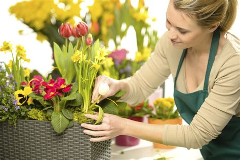 reading wedding venues selecting a wedding florist articles easy weddings