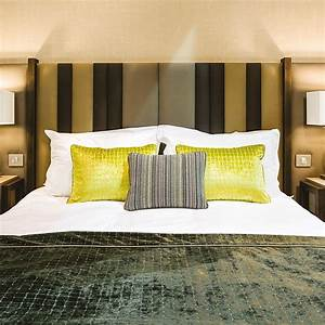 Dimension Lit 1 Place 1 2 : t te de lit moderne chlo pour chambre d 39 h tel collinet ~ Teatrodelosmanantiales.com Idées de Décoration