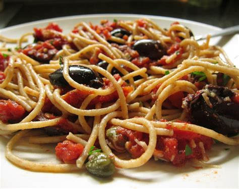 cuisine spaghetti neapolitan cuisine rural ingredients pasta and seafood
