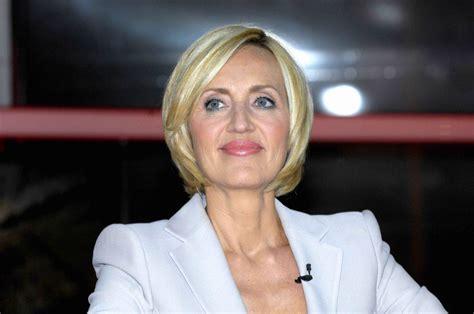 Petra gerster ˈpʰeːtʁaˈgɛᵊstɐ (born 25 january 1955) is a german journalist and news presenter. Petra Gerster verteidigt Gendersprech im Fernsehen