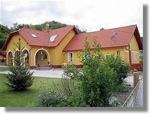 Haus Ungarn Kaufen : einfamilienh user in ungarn kaufen ferienh user vom immobilienmakler ~ Buech-reservation.com Haus und Dekorationen