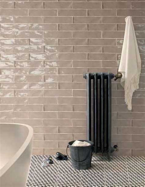 Peronda Poitiers! Latte Glossy Subway Tile // Arley