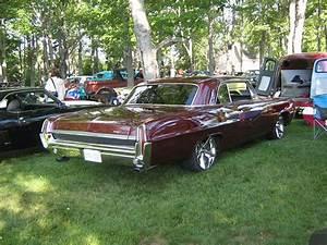 1964 Pontiac Parisienne 2-door Hardtop
