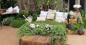 Garden Vignette – Cottage-White