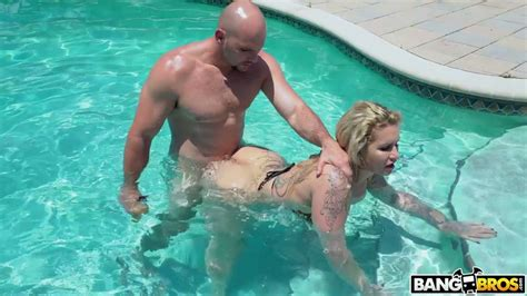 Damn Perfect Big Breasted Lady Ryan Conner Gets Fucked