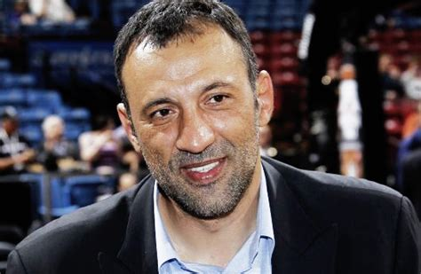 sacramento kings vp divac  team aims playoffs  year
