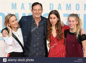 London, UK. 13th Oct, 2017. Jason Isaacs with his wife ...