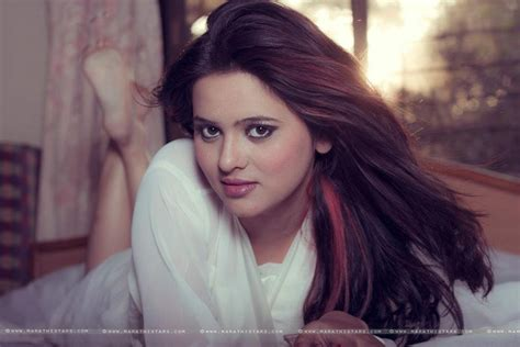 marathi actress kiss photos celebrities and games marathi serial wallpaper hot pics