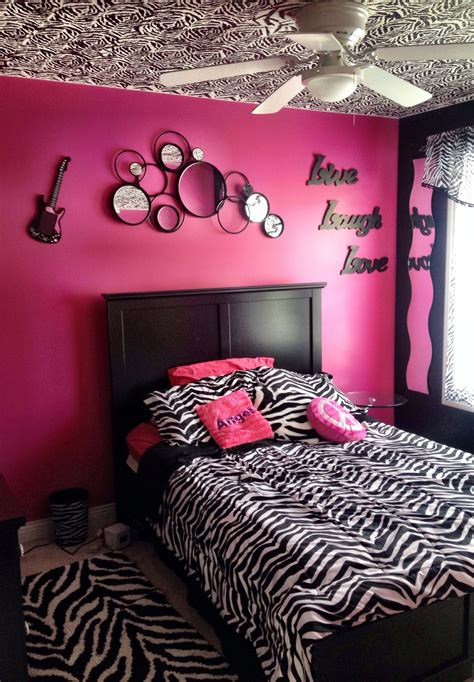 Pink Zebra Bedroom by My S Zebra Bedroom With Painted Zebra