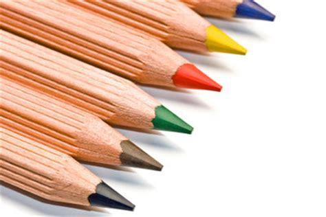 farbe für gips gips bemalen mit farbe so gelingt s mit kindern