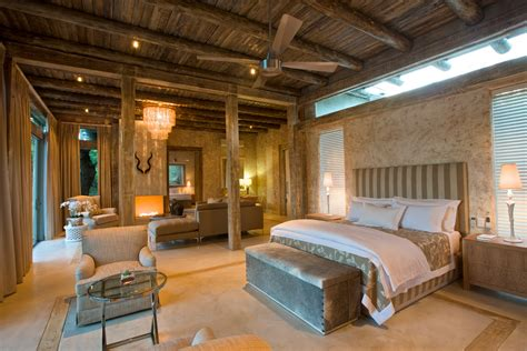 Fresh African Style Bedroom Design With Fancy Lighting And
