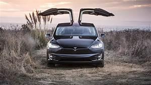 Tesla Porte Papillon : quand mercedes loue une tesla pour la d pecer et se fait d masquer ~ Nature-et-papiers.com Idées de Décoration
