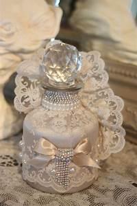 Shabby Chic Accessoires : adorable flacon decor shabby chic srtass perles et dentelles accessoires de maison par ~ Markanthonyermac.com Haus und Dekorationen