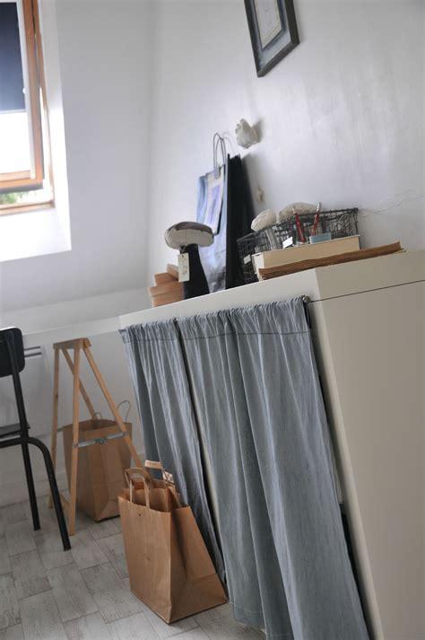 tissus cuisine meuble cuisine avec rideau tissu