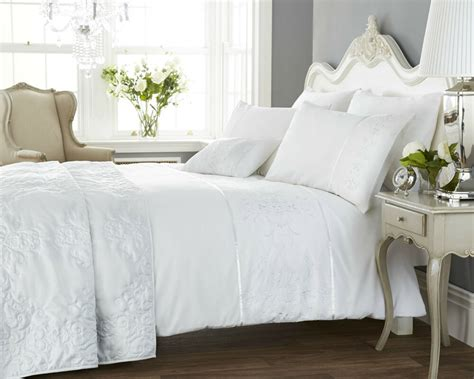 White Embroidered Duvet Set Single Double Or King Size