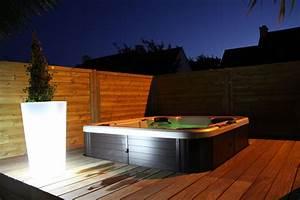 Eclairage Terrasse Bois : spa jacuzzi clairage de jardins paysagiste cr ateur de ~ Melissatoandfro.com Idées de Décoration