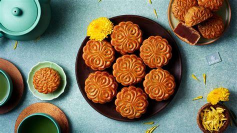emirates  serve mooncakes inflight  mid autumn