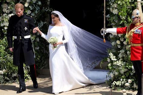 royal wedding cake cost price  harry