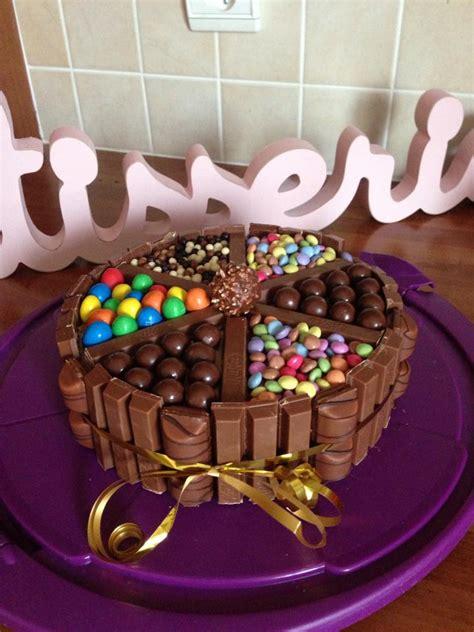 decoration gateau avec smarties 3 chocolats avec kitkat m m s maltesers smarties