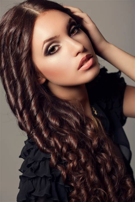 Long Curly Hairstyles For Women 2018