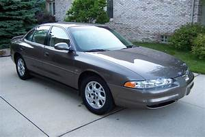 1999 Oldsmobile Intrigue - Overview