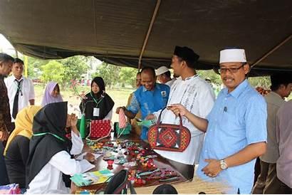 Santri Darussalam Dayah Entrepreneur Kreatif Bazar Kewirausahaan