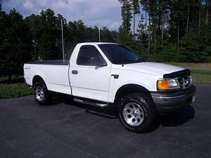2004 Ford F-150 Heritage - Overview
