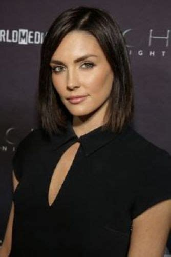8 Taylor Cole Gorgeous Hairstyles (Bob, Long, Layers