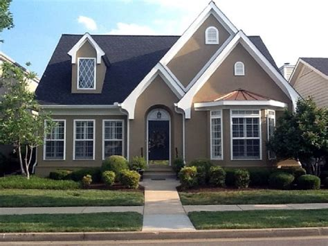 stucco exterior house paint colors grey and houses