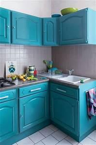 comment rajeunir une cuisine moche credence carrelage With bleu turquoise avec quelle couleur 3 quelle couleur choisir pour une cuisine etroite